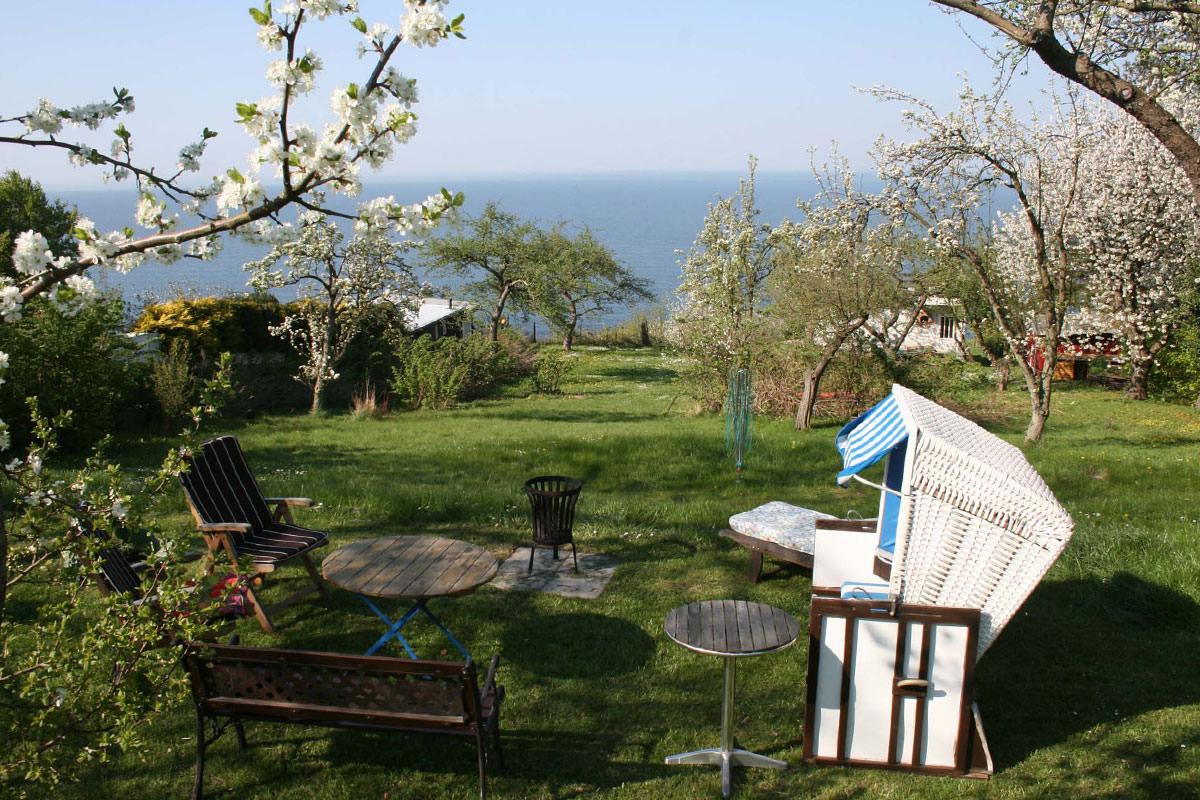 Garten vom Kapitänshaus Trost in Lohme auf der Insel Rügen